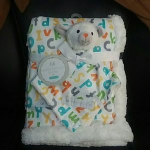 Baby blanket with security blanket